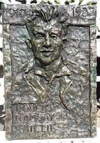 Bob Smillie bust